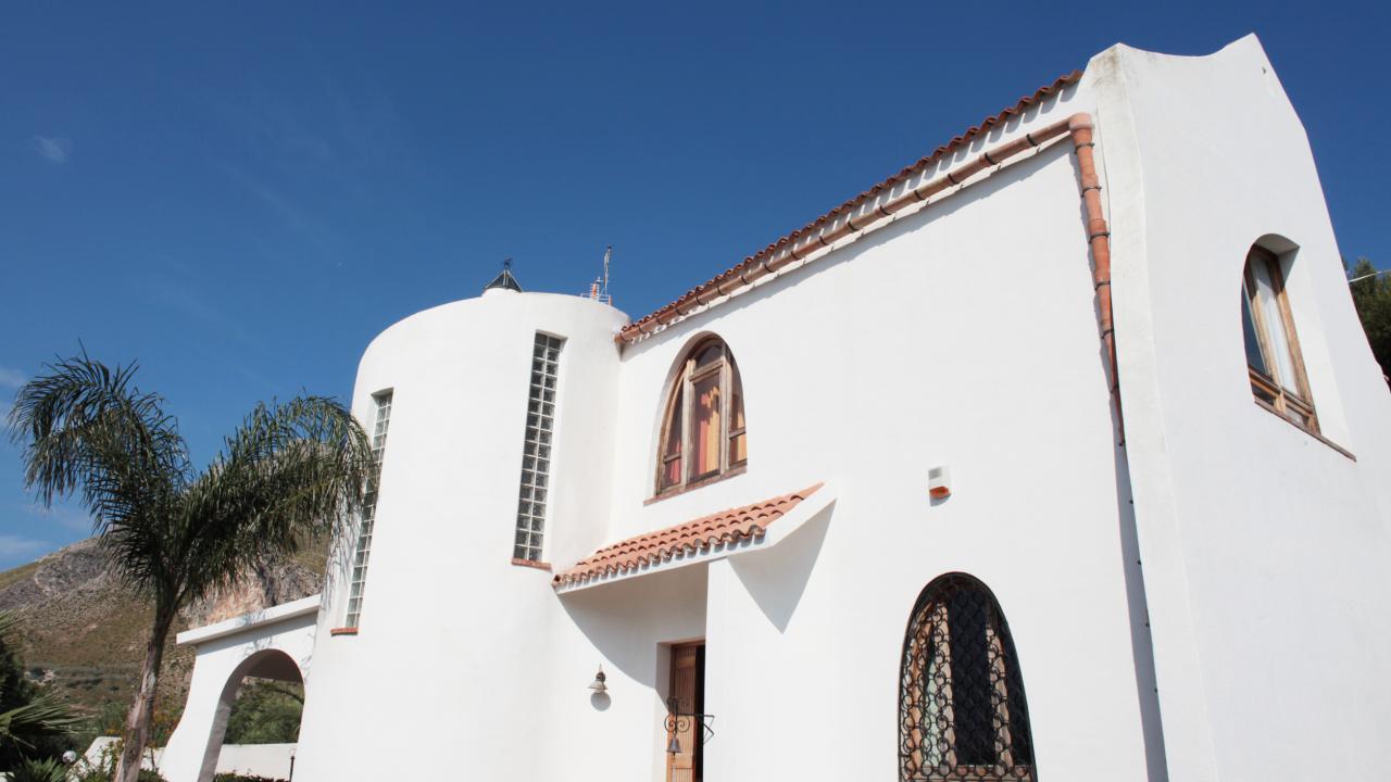 San Vito Bay rooms & homes