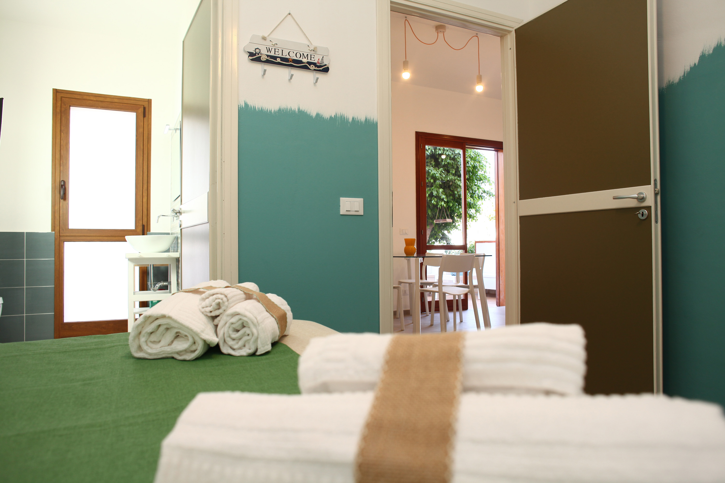 BeachSide Rooms & Suites
