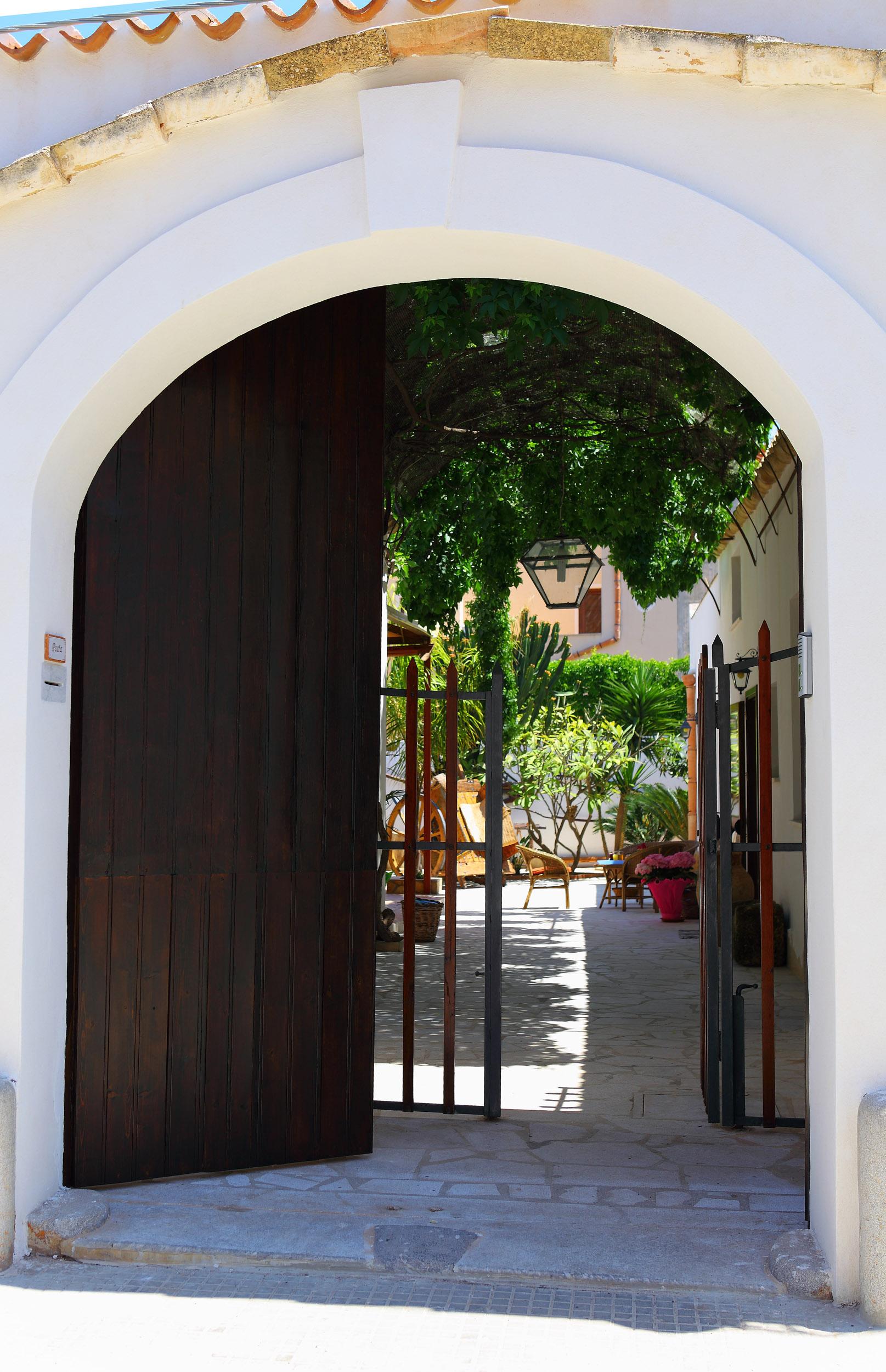 Sabir, camere tipiche ed eleganti in un baglio d'epoca